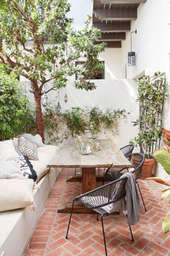 Backyard Dining Ideas 15