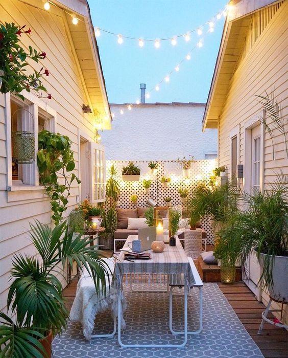 Backyard Dining Ideas 18
