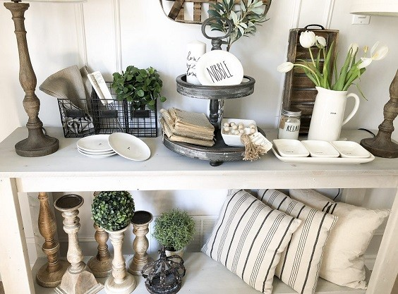 Farmhouse Dining Room Decorative Elements