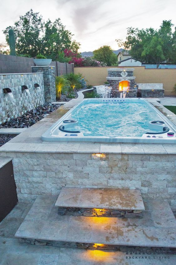 Luxury Hot Tub 11