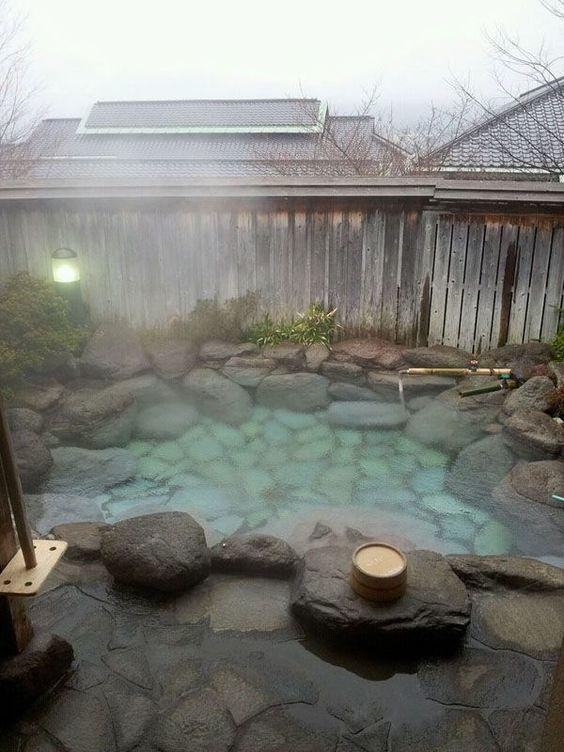 Luxury Hot Tub 13