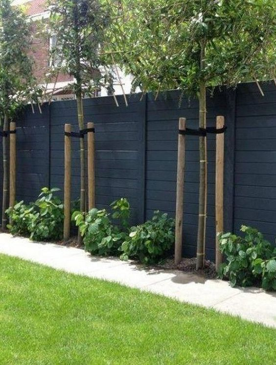 Simple Fence Ideas 10