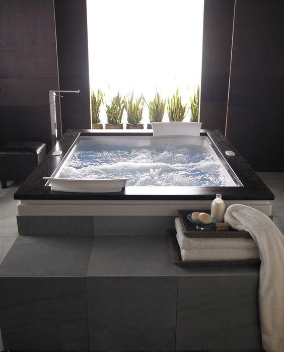 Hot Tub Bathroom: Stunning Modern Design