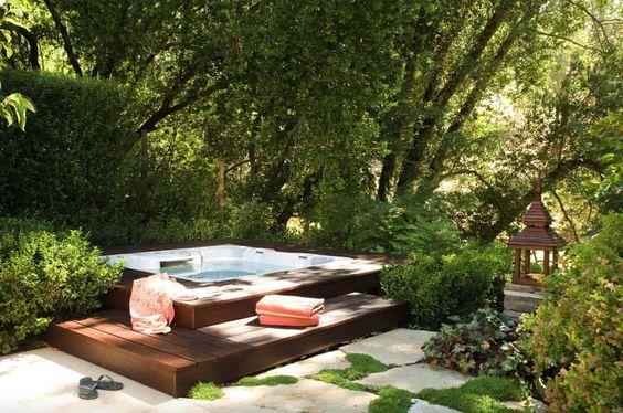 Hot Tub Outdoor 25