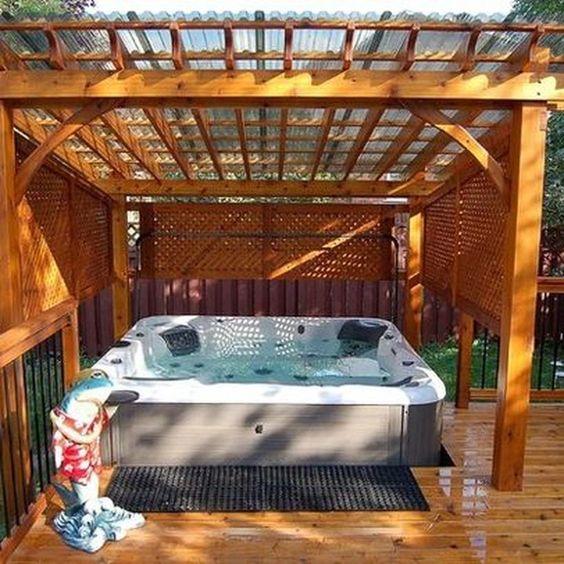 Hot Tub Outdoor: Simple Cozy Design