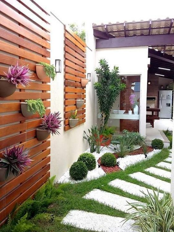 Patio Landscaping Ideas: Gorgeous Vertical Garden