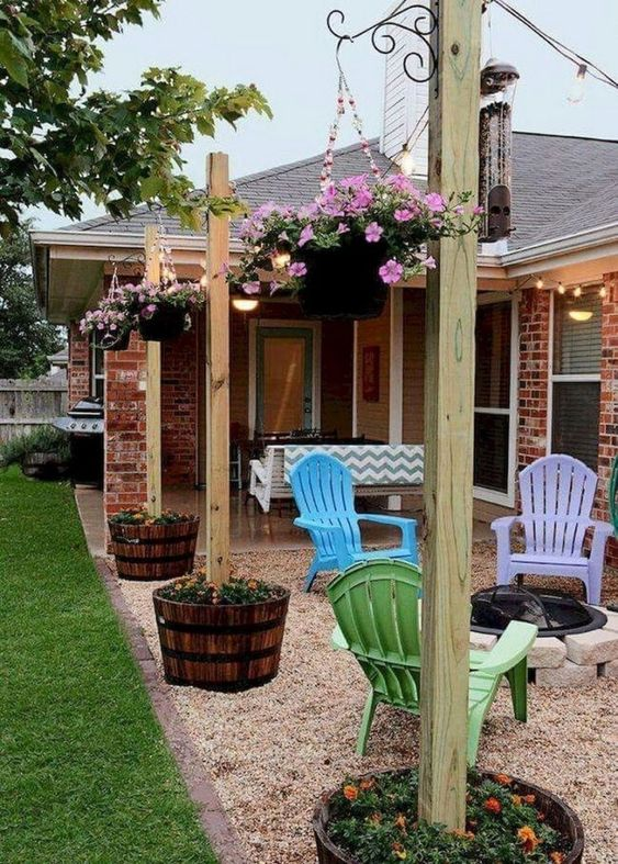 Patio Landscaping Ideas: Earthy Rustic Decor