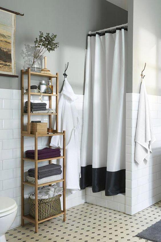 Bathroom Shelves Ideas: Chic Standing Shelves