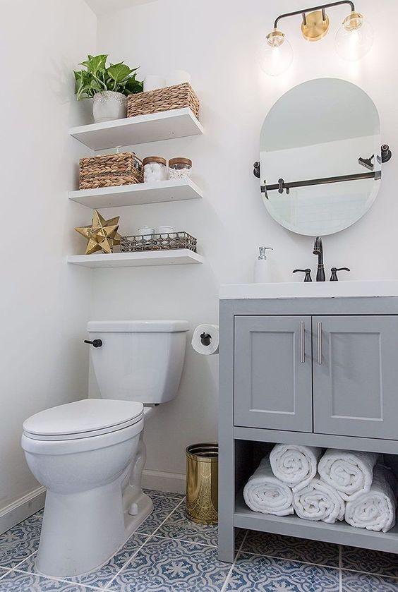 Bathroom Shelves Ideas: Sleek Floating Shelves