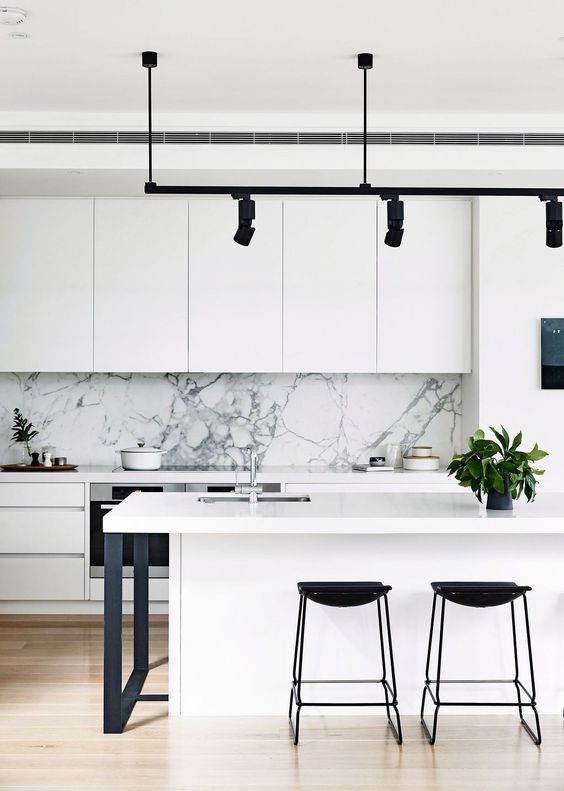 Kitchen Marble Ideas: Eye-Catching Marble Backsplash