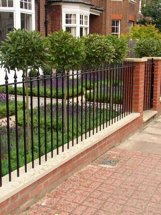 Front Yard Fence Ideas 21