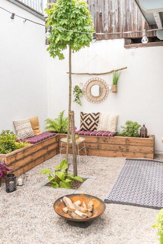 Patio Seating Ideas: Simple Boho Style