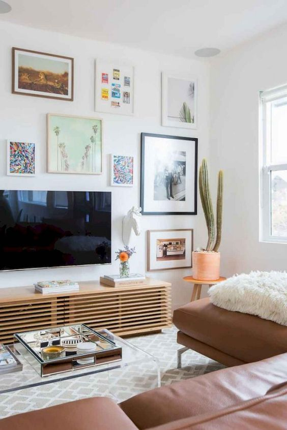 Living Room with TV Ideas: Simple Hanging Setting