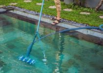 how to vacuum pool with sand filter feature