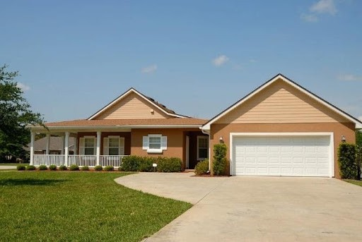 Simple and Effective Ways to Boost Your Home's Curb Appeal