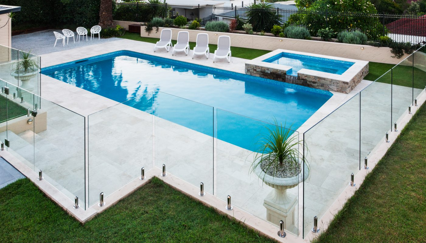 6 Reasons You Need Glass Pool Fencing