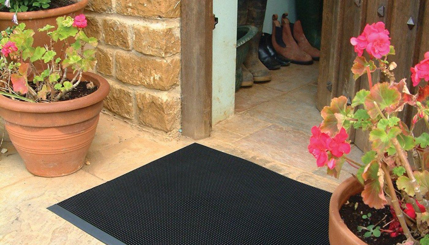 Top 5 Things to Consider When Purchasing a New Doormat