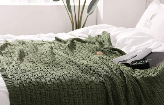How to Decorate Scandinavian Bedroom 4