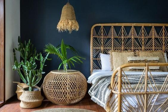 How to Decorate a Bedroom with Plants 2