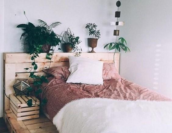 How to Decorate a Bedroom with Plants 5