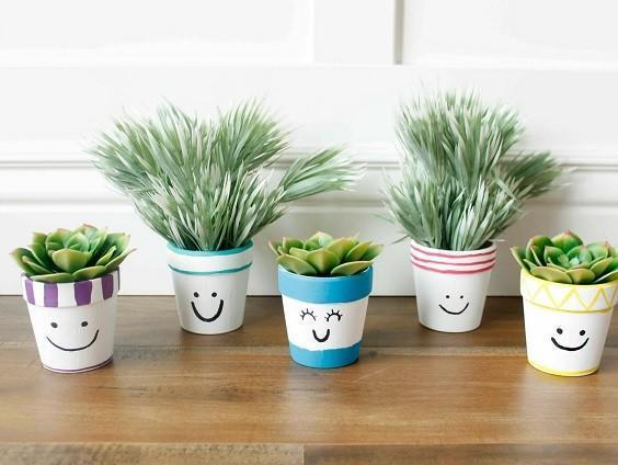 How to Decorate a Flower Pot 2