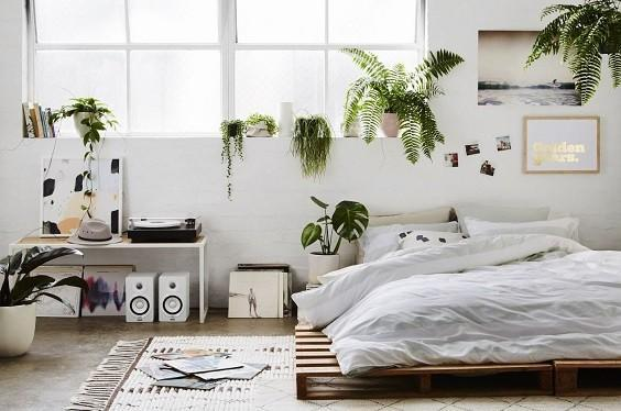How to Decorate a Minimalist Bedroom 6