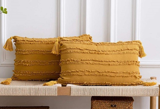 How to Decorate with Throw Pillows 2