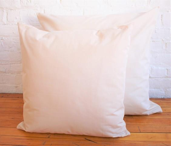How to Decorate with Throw Pillows 5
