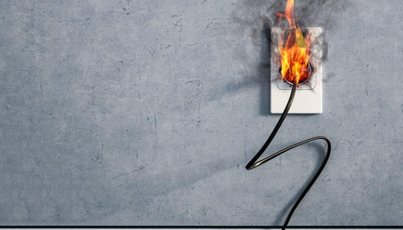 8 Tell Tale Signs You Need A Professional Electrician